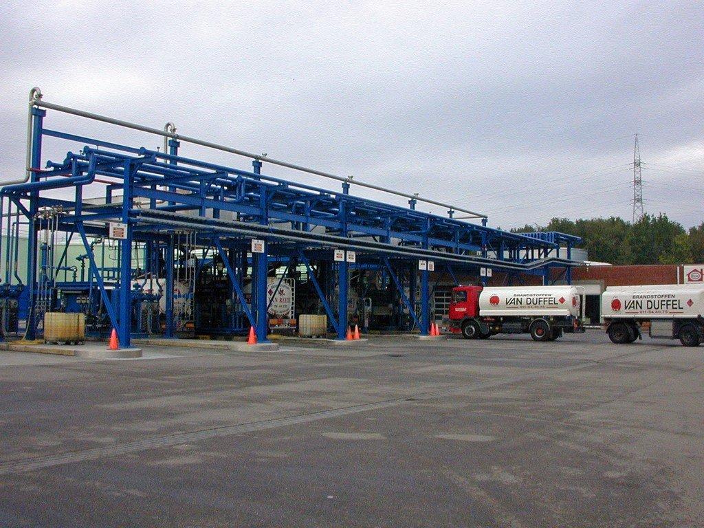 ODS kalibreert gasolie meters, benzinemeters, dieselmeters en huisbrandolie meters op brandstof depots waar trucks worden beladen