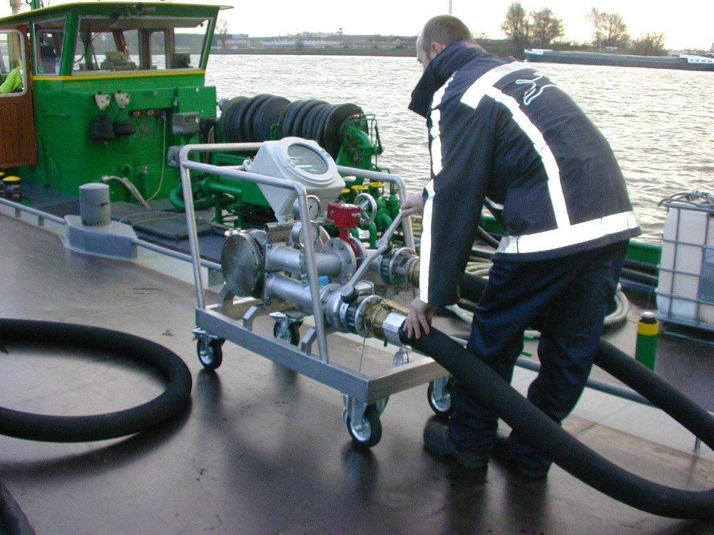 ODS Kalibratie bunkerboot met een mobiele mastermeter