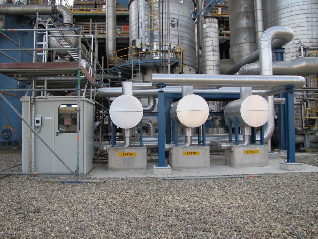 Een ODS analyser huis met LAR analyser voor bewaking van retour condensaat