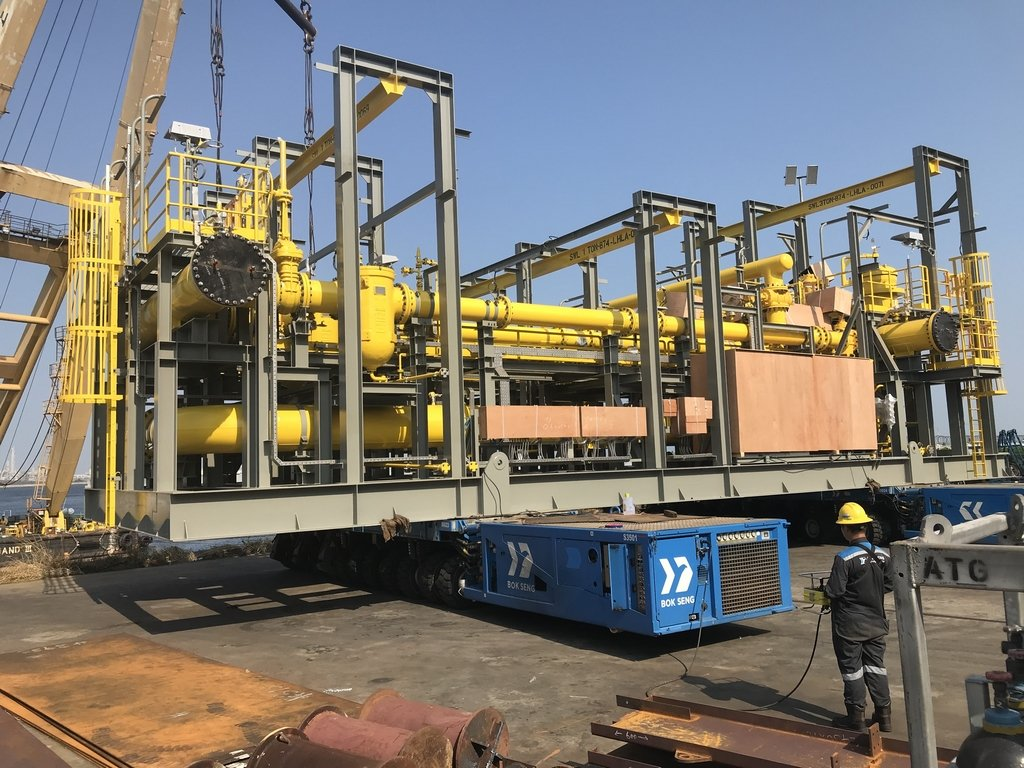 Oil offloading skid transportation